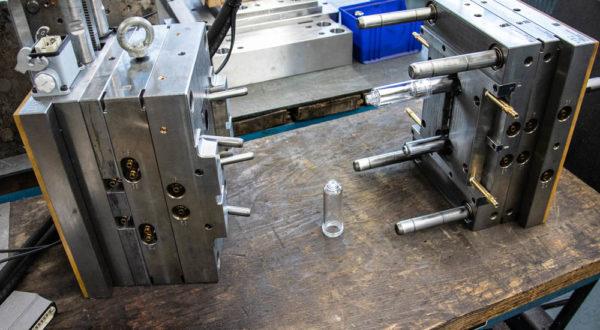Herstellung von Spritzgussthermoplast- und Duroplast-Presswerkzeugen in Deutschland und China